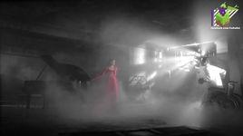 Tải Nhạc Cô Đơn Giữa Cuộc Tình (New Version) (Karaoke) - Hồ Ngọc Hà