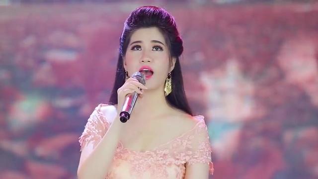 Tải nhạc Con Đường Xưa Em Đi - Hồ Quang Lộc, Mai Phương Thảo