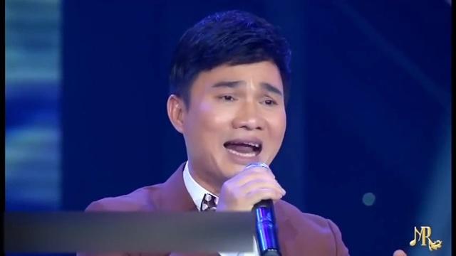 Xem MV Đêm Buồn Phố Thị - Quang Linh   Video - MV Ca Nhạc
