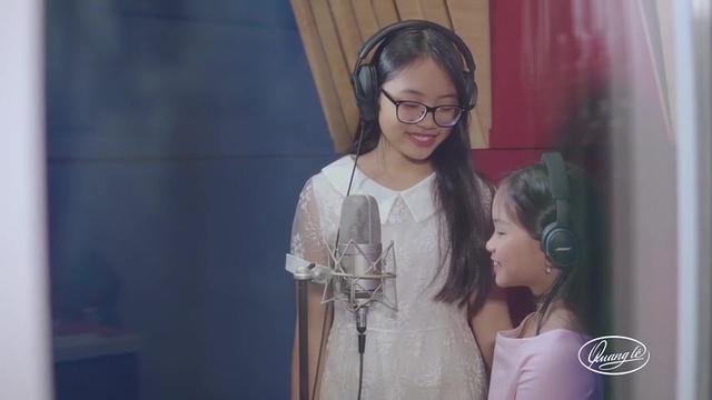 Xem MV Vùng Lá Me Bay - Phương Mỹ Chi, Lena Phương Vy