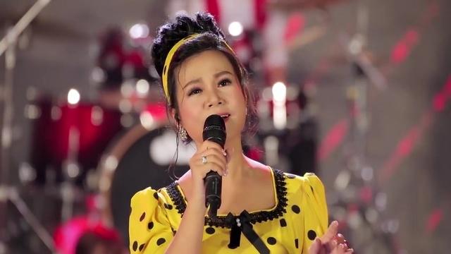Xem MV Khuya Nay Anh Đi Rồi (Live Show Cảm Ơn Cuộc Đời) - Dương Hồng Loan
