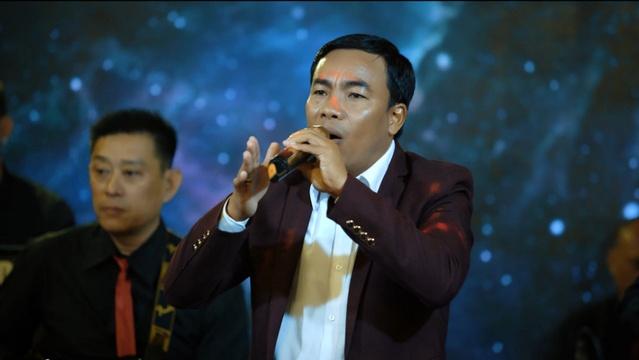 Xem MV Chuyện Mưa Mây - Chế Minh