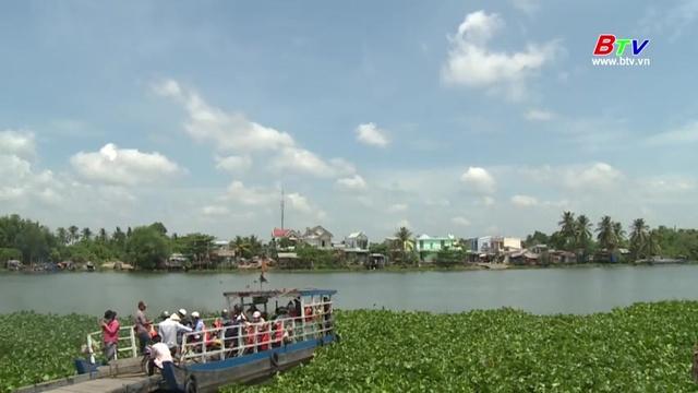 Bình Dương Hương Sắc Dịu Dàng - Ngọc Kiều Oanh, Công Danh | Video - Mp4