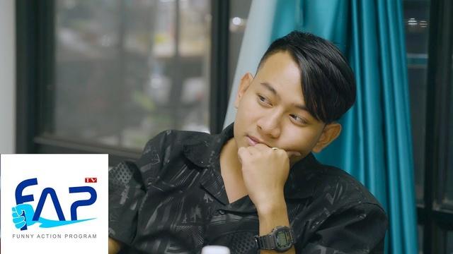 Xem MV FAP TV Cơm Nguội - Tập 206: Chuyện Tình Chàng Quay Phim - FAP TV