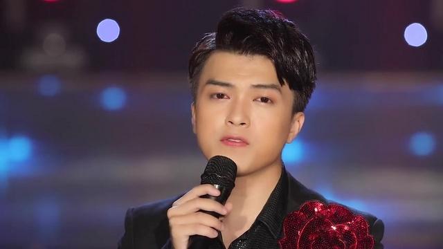 Ca nhạc Anh Vẫn Hoài Yêu Em - Khánh Hoàng