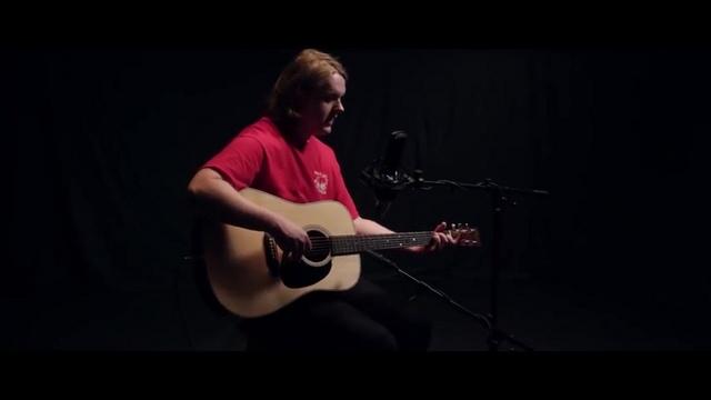 Xem MV Tough (Live Performance) - Lewis Capaldi