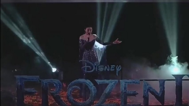 Xem MV Into The Unknown (Frozen 2 Thailand Premiere) - Khun Vichayanee Pearklin