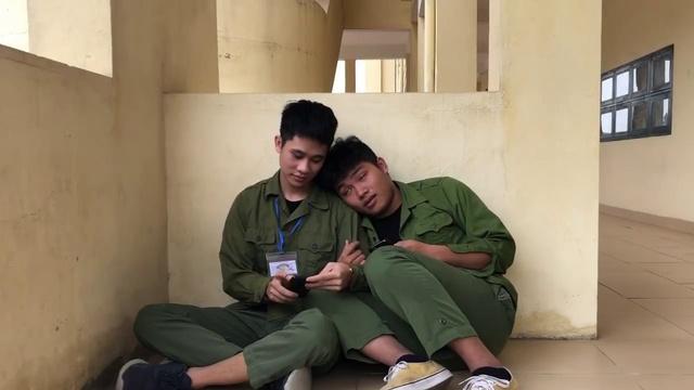 Xem MV Mắt Biếc Phiên Bản Đi Học Quân Sự - V.A | Video - Mp4