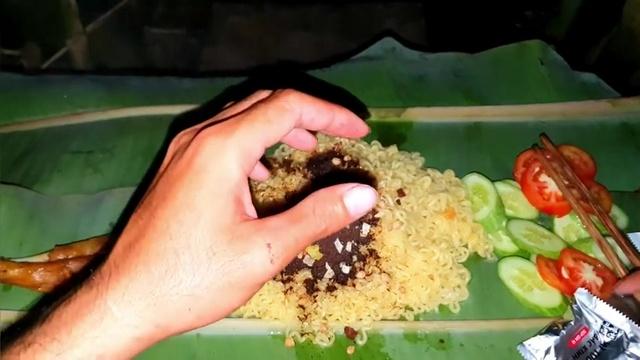 MV Làm Mâm Mỳ Tương Đen Hàn Quốc Ăn Giữa Đồng Ruộng - Sang Vlog