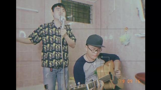 Xem MV Live Music In Bathroom Số 1- Lời Yêu Ngây Dại (Bông Tím, Thầy Hải Guitar) - V.A