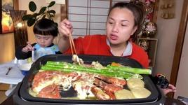 Tải Nhạc Bánh Gạo Nhân Phô Mai,Tôm & Măng Tây Hoàng Đế Khổng Lồ Nướng, Tắm Phô Mai Béo Tràn Ngập Miệng - Cuộc Sống Ở Nhật #539 - Quynh Tran JP