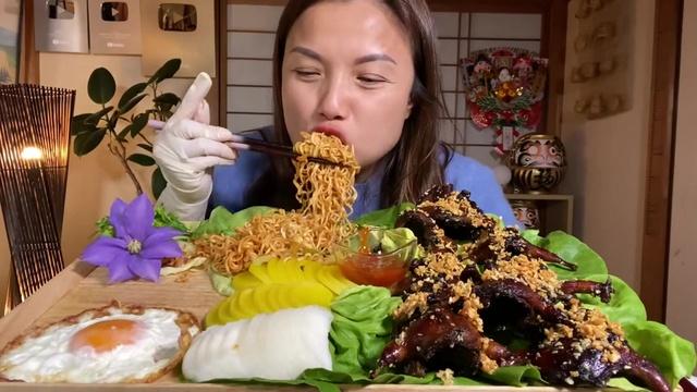 Tải nhạc hình hot Ngon Mất Hồn Với Mâm Mì Cay & Chim Cút Chiên Bơ Tỏi Đậm Đà Gia Vị - Cuộc Sống Ở Nhật #557