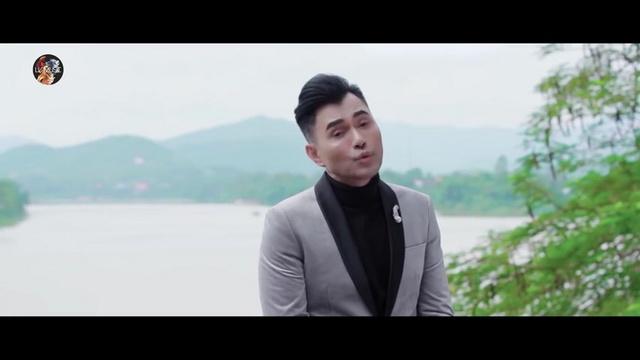 Ca nhạc Dấu Chân Kỷ Niệm - Leon Vũ | MV - Nhạc Mp4 Online