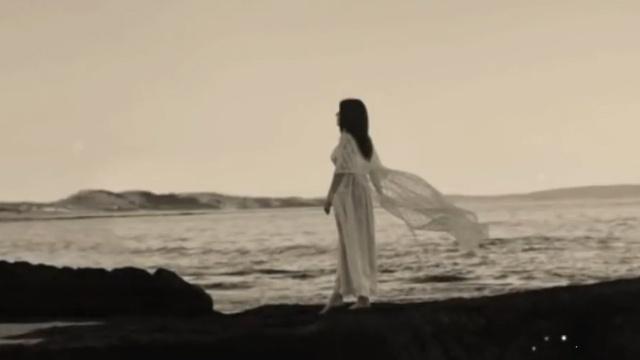MV Anh Khóc Rồi (Lyric Video) - Ron Phan