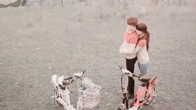Xem MV Ngày Anh Nhớ Em (Lyric Video) - Ron Phan