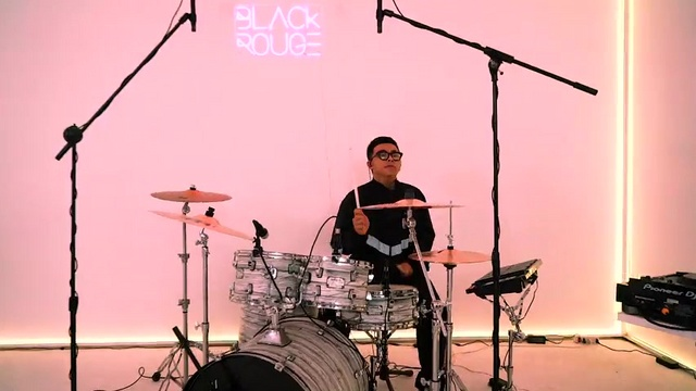 MV I Wanna Be A Star - PB Live Band