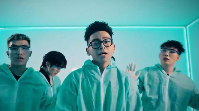 Xem MV Năm Nay Mình Làm Lại - Nhật Thiên, Win K, Kaycee, Jay Kem, Lil 7 RD | Video - MV Ca Nhạc