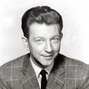 Tải bài hát Make 'Em Laugh (From Singin' In The Rain 1952) chất lượng cao
