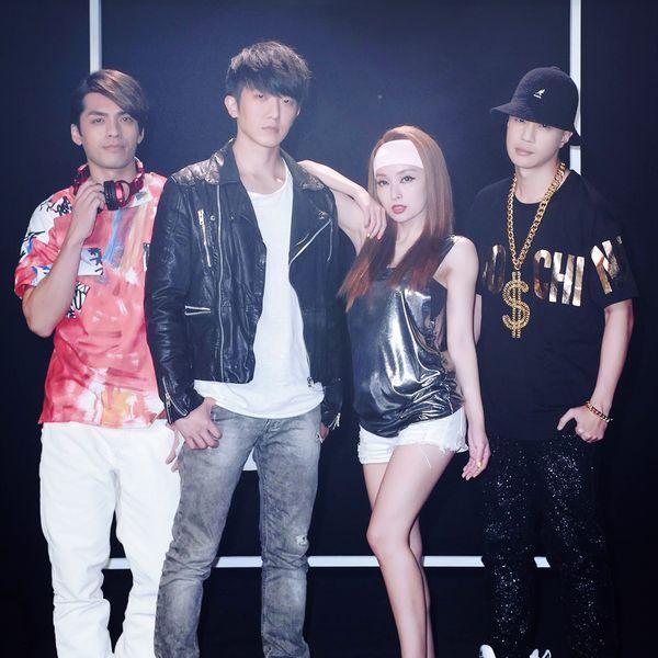 Bài hát Zhang Da Ni De Zui Ba Mp3 hot nhất