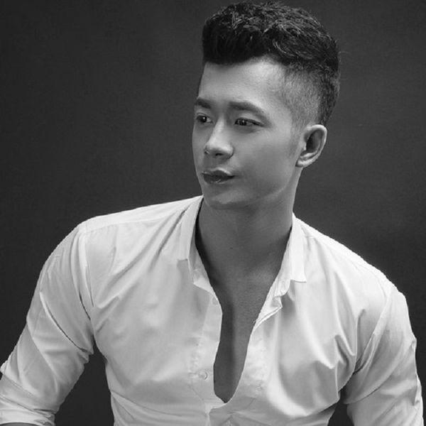 Bài hát Vinh Quang Đôi Chân Trần Mp3 hot nhất