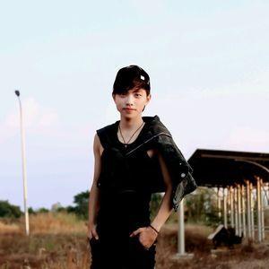 Tải bài hát Cô Đơn Dành Cho Ai (Orinn Remix) nhanh nhất về điện thoại