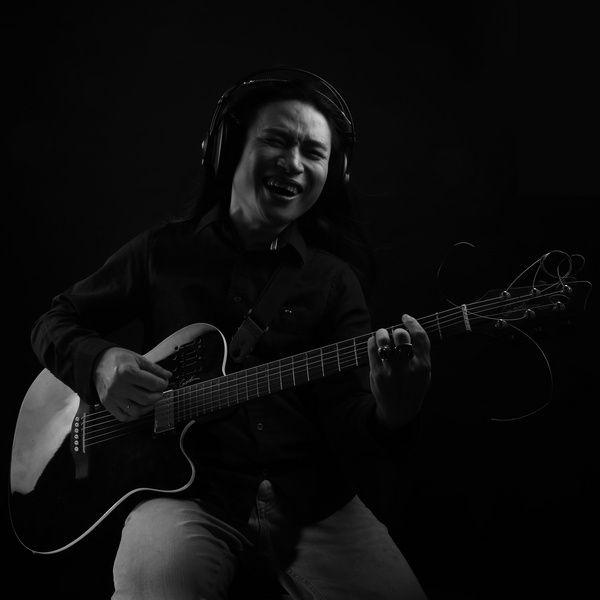 Bài hát Anh Đến Thăm Em Đêm 30 Mp3 miễn phí về điện thoại