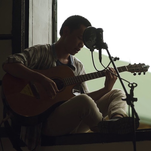 Bài hát Anh Sẽ Ôm Em Hết Mùa Hoa Rơi (Acoustic Version) Mp3 miễn phí về máy