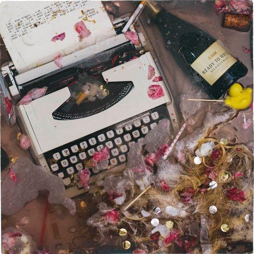 Tải bài hát Mp3 6am (Ready to Write) (Beardyman's Smells Like Berghain Remix) hot nhất
